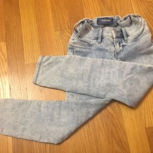 Old navy size 7 stretchy jeans!!